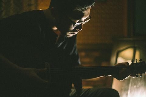 Hoang tu indie Vu: 'Muon tu tao dong nhac rieng, nhu Trinh Cong Son' hinh anh