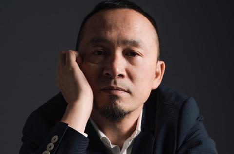 Nhac si Quoc Trung: 'Ca si Viet dang suong sa, xuat hien qua nhieu' hinh anh