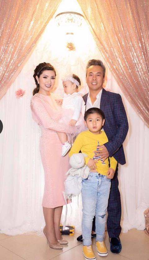 Nguyen Hong Nhung trai long ve scandal anh nong va lan tu tu ben My hinh anh 3