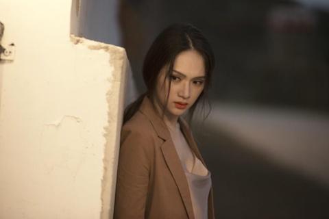 Nhac tam trung, hat do, tai sao MV cua Huong Giang gay bao? hinh anh 2