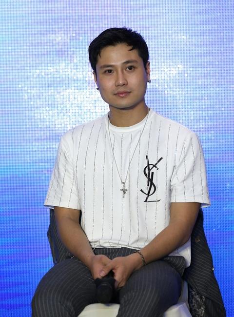 My nam 9X cua VTV: 'Cho doi duoc dong canh nong nhu trong 50 sac thai' hinh anh 2