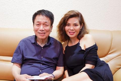 Gan 2 nam sau on ao het cat-xe 10.000 USD, Ngoc Anh den tham Phu Quang hinh anh