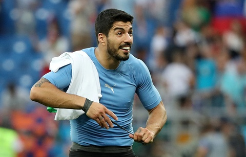 Uruguay vao vong knock-out, Ai Cap cua Salah ve nuoc som hinh anh 1