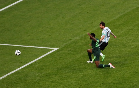 Chat vat ha Nigeria, Argentina hen Phap o vong 1/8 World Cup hinh anh 1