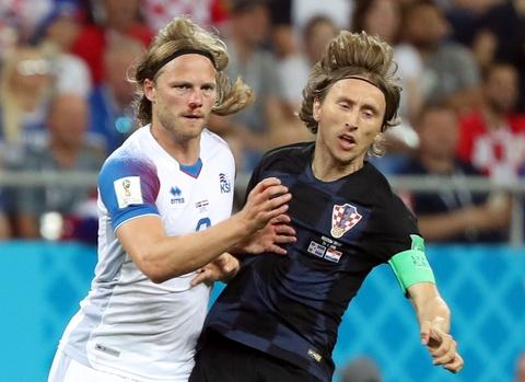 Ivan Perisic len tieng, Croatia thang kich tinh Iceland hinh anh 1