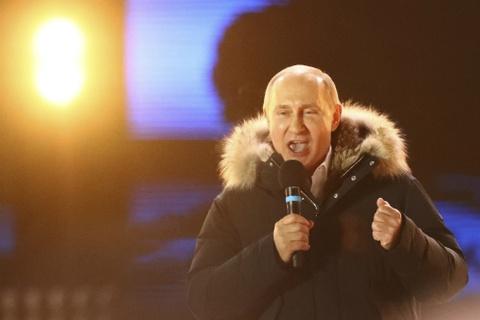 Putin: Ban nghi toi se nam quyen den 100 tuoi u? hinh anh