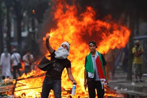 Xo xat do lua giua binh si Israel va nguoi Palestines tai bien gioi hinh anh