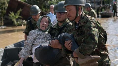 Tay Nam Nhat Ban tan hoang vi lu lut lich su lam 200 nguoi chet hinh anh