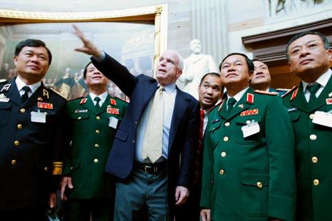Thuong nghi si John McCain, tuong dai chinh tri My, qua doi hinh anh 5