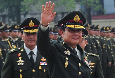 Phe quan su Thai loi keo dang vien cu cua Thaksin truoc bau cu hinh anh