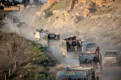 Nhung doan nguoi thao chay khoi 'phao dai' cuoi cung cua IS tai Syria hinh anh 1