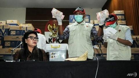 Ung vien quoc hoi Indonesia 'vung tien' mua phieu tu cu tri hinh anh 2