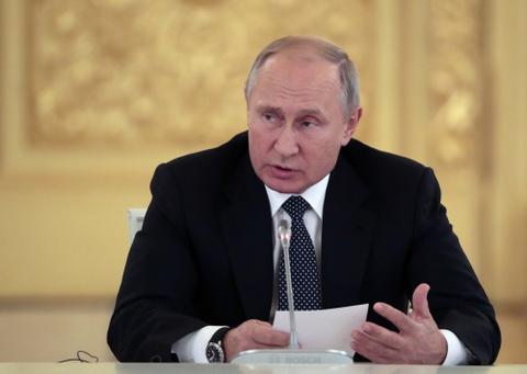 Tong thong Putin bac bo cao buoc cua thu linh doi lap hinh anh