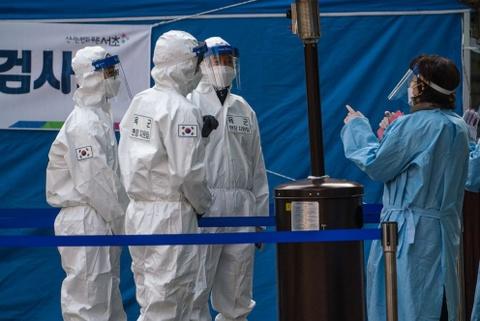 Thêm 3 người Hàn Quốc tử vong sau khi được tiêm vaccine AstraZeneca