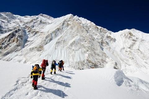 De xuat cam nguoi it kinh nghiem len dinh Everest hinh anh