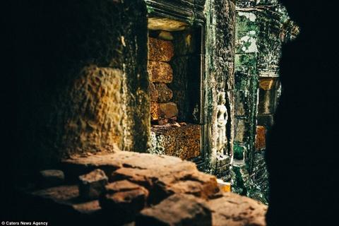 Ve dep ky ao cua khu den phai den mot lan trong doi hinh anh 10 Ta Prohm là một trong những ngôi đền được nhiều du khách ghé thăm nhất do vẫn lưu giữ được gần như nguyên trạng.