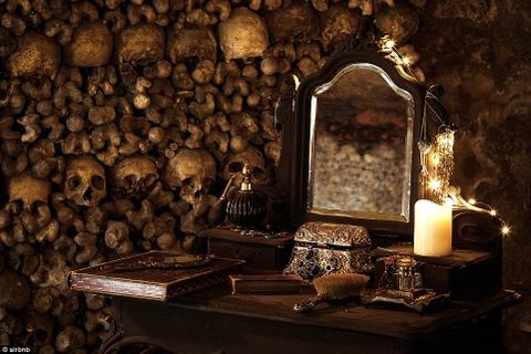 Qua dem Halloween voi 6 trieu bo xuong nguoi hinh anh