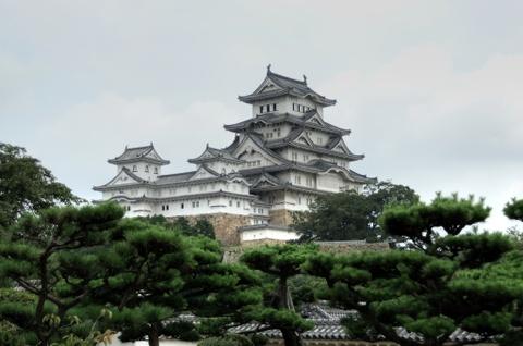 10 quoc gia xung dang duoc chon dau tien khi di du lich hinh anh 3 Nhật Bản: Xứ sở mặt trời mọc là sự hòa quyện giữa truyền thống và hiện đại. Những di sản văn hóa, tôn giáo của quá khứ cùng song song tồn tại với những thành tựu khoa học, nghệ thuật, kiến trúc hiện đại. Ở Nhật Bản có hàng nghìn ngôi đền Phật giáo, chủ yếu ở Kyoto nơi được coi là thủ đô văn hóa. Hai thành phố nổi tiếng khác có thể kể đến như Nara và Kanazawa. Đỉnh Phú Sỹ, cung điện hoàng gia, công viên tưởng niệm hòa bình Hiroshima, công viên quốc gia Osaka… là những điểm đến không thể bỏ qua ở xứ anh đào.