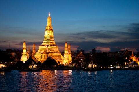 10 quoc gia xung dang duoc chon dau tien khi di du lich hinh anh 4 4. Thái Lan: Đây là một trong những điểm du lịch nổi tiếng nhất Đông Nam Á. Từ những ngôi chùa Phật giáo đến những hòn đảo hoang sơ hay các công viên quốc gia, Thái Lan có đa dạng các loại hình du lịch cho du khách lựa chọn. Trong khi đó, Bangkok là thiên đường mua sắm nhộn nhịp đối lập với những ngôi làng yên bình bên sườn đồi ở các tỉnh. Đồ ăn Thái Lan cũng rất độc đáo và phù hợp túi tiền của mọi du khách.