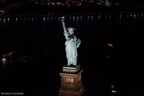 Bo anh New York dem sieu trang tu truc thang khong cua hinh anh