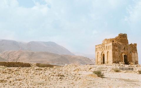 Vuong quoc Oman: Tham vong hut tour du lich xa xi hinh anh 1