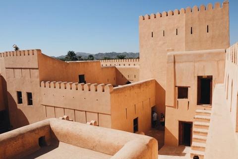 Vuong quoc Oman: Tham vong hut tour du lich xa xi hinh anh 3