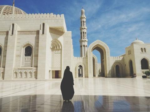 Vuong quoc Oman: Tham vong hut tour du lich xa xi hinh anh