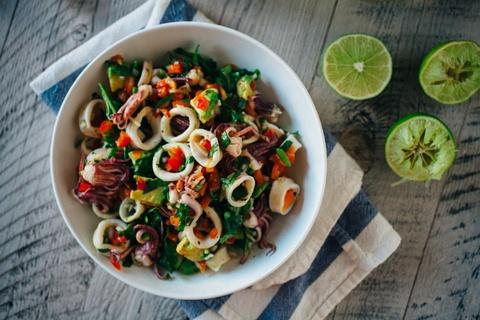 9 loai salad Nga de lam, ngon mieng va nhieu duong chat hinh anh 6