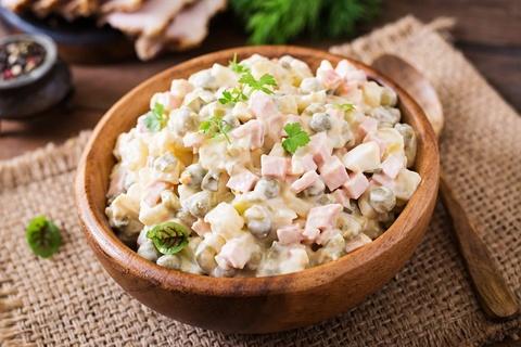 9 loai salad Nga de lam, ngon mieng va nhieu duong chat hinh anh 2