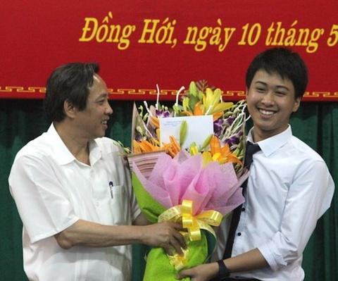 Hoc sinh Quang Binh gianh huy chuong vang Vat ly quoc te hinh anh