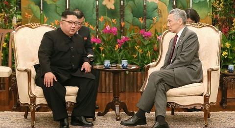 Ong Kim Jong Un gap Thu tuong Singapore Ly Hien Long hinh anh