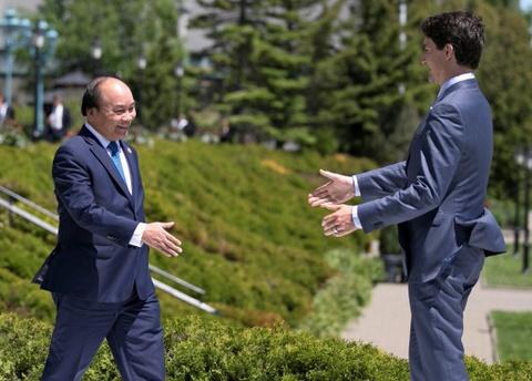 Thu tuong Nguyen Xuan Phuc hoi dam voi Thu tuong Canada hinh anh 3