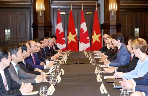 Thu tuong Nguyen Xuan Phuc hoi dam voi Thu tuong Canada hinh anh 1