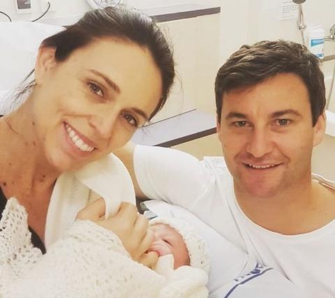 Thu tuong New Zealand sinh con gai dau long hinh anh