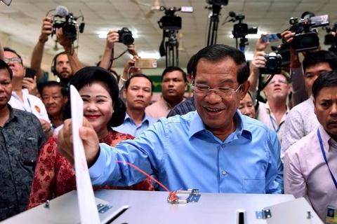 Dang cua ong Hun Sen gianh tat ca 125 ghe trong quoc hoi Campuchia hinh anh