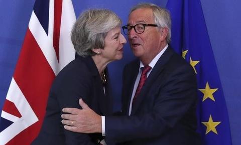Anh, EU muon cho Brexit them thoi gian sau thuong dinh 'tay trang' hinh anh