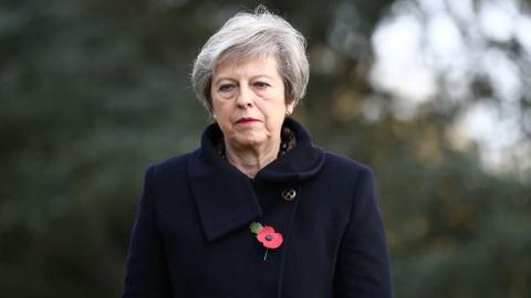 Bất đồng với thủ tướng về Brexit, 3 bộ trưởng Anh liên tiếp từ chức