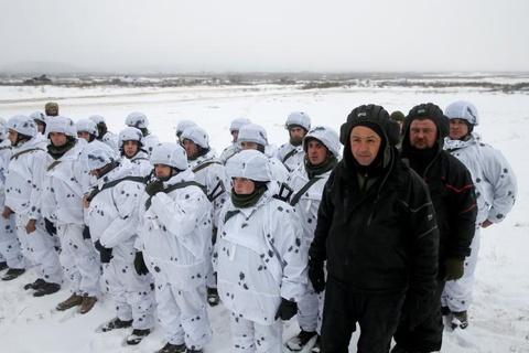 Ukraine huy dong quan du bi, tap tran lon sat bien gioi Nga hinh anh 8