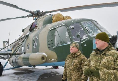 Ukraine huy dong quan du bi, tap tran lon sat bien gioi Nga hinh anh 14