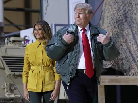 Chinh truong Iraq noi song vi TT Trump bat ngo tham quan tai day hinh anh