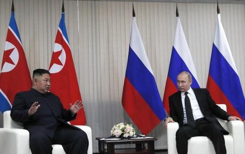 Le binh Nga nghiem chao ong Kim Jong Un den gap Tong thong Putin hinh anh 11