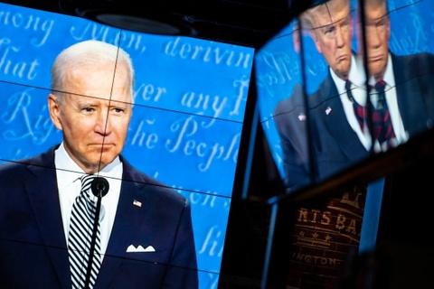 Ong Trump pha vo quy tac tranh luan, nhung dat duoc Biden vao the kho hinh anh