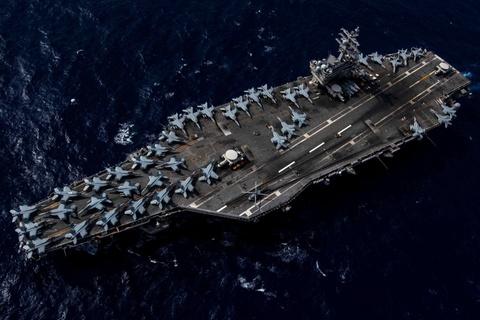 Tau san bay USS Ronald Reagan tien vao Bien Dong hinh anh