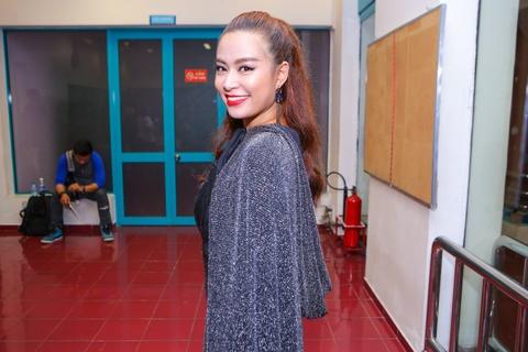 Hoang Thuy Linh tu tin cho len san The Remix hinh anh