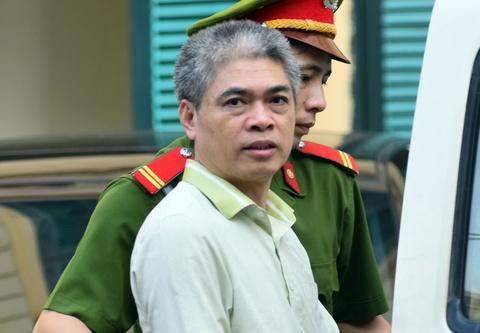 Chu toa truy viec Nguyen Xuan Son khai dung hon 300 ty di doi ngoai hinh anh