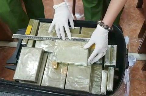 Bo Cong an xoa duong day ma tuy 'khung', thu 179 banh heroin hinh anh