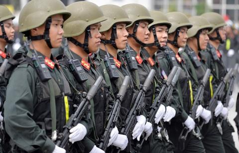 Đề xuất kéo dài tuổi phục vụ của sĩ quan công an