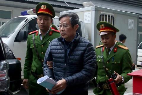 Cuu bo truong Nguyen Bac Son va dong pham hau toa hinh anh