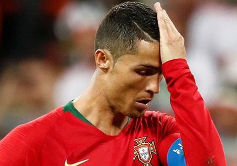 BLV Anh Ngoc: 'Ronaldo may man thoat the do sau pha choi xau' hinh anh