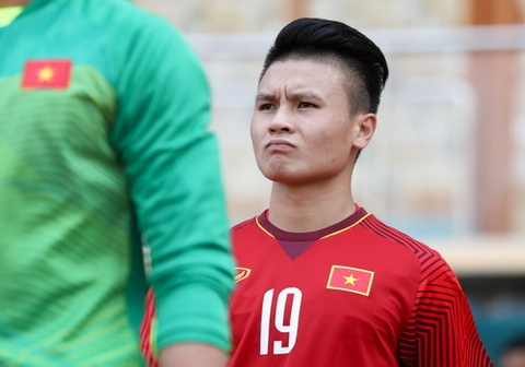 CLB Ha Noi tu choi cho Quang Hai sang Nhat Ban, Thai Lan hinh anh
